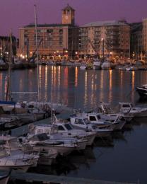 Riflessi nel porto (Ph: Massimo Cilloni)
