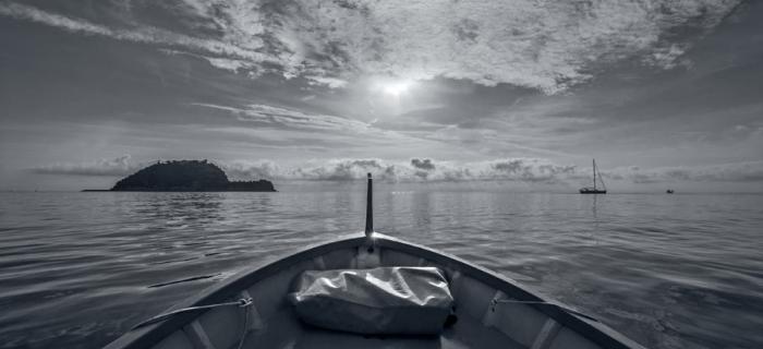 Luci ed ombre, isola Gallinara (Ph: Franco Galatolo)