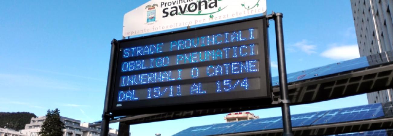 Pannello obbligo di circolazione con pneumatici invernali o catene (Ph: Provincia di Savona)
