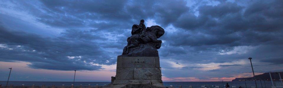 Monumento a Garibaldi - Piazza Eroe dei due Mondi, Savona (Ph: Franco Galatolo)